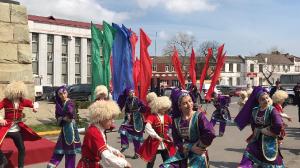 Возложение цветов Памятника Махача Дахадаева